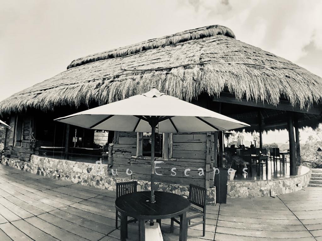 98 acres, restaurant